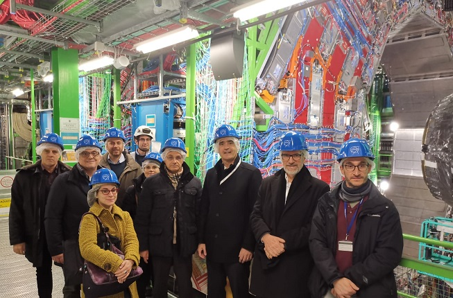 http://physicsofdata.dfa.unipd.it/dettaglio/news/prof-rizzuto-at-the-cern-cms-experiment-site/